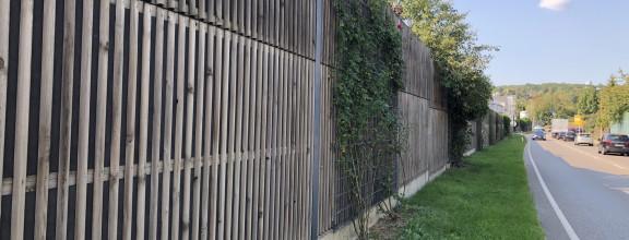 Lärmschutzmauer an der Umgehungsstraße
