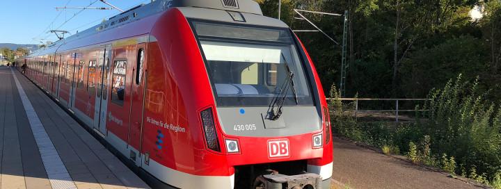 S-Bahn am Kirchheimer Bahnhof