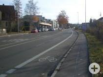 Radfahrtstreifen in der Schöllkopfstraße