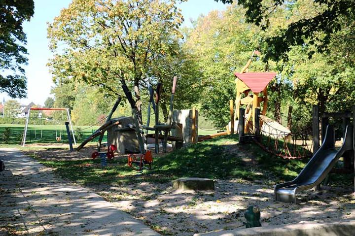Spielplatz Lindachallee-7