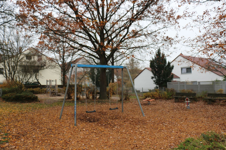 Spielplatz zum hinteren Berg
