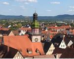 Blick auf das Rathaus vom Kirchturm aus