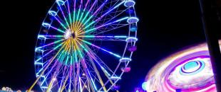 Das Riesenrad auf dem Vergnügungspark zum Gallusmarkt auf dem Ziegelwasen
