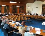 Der Führungskräfte-Nachwuchs der sechs großen Kreisstädte im Gemeinderatssaal