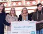Spendenübergabe der Azubis mit Ausbildungsleitung an Starkes Kirchheim