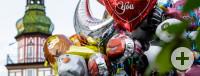 Luftballons vor dem Kirchheimer Rathaus beim Haft-ond-Hokafescht