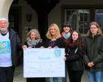 Scheckübergabe Waffelverkauf 2020 durch die Azubis der Stadtverwaltung an Starkes Kirchheim.