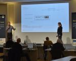 """Saskia Klinger (Wirtschaftsförderin Kirchheim unter Teck) präsentiert beim Landeswettbewerb Startup BW Local das Konzept von """"MachES""""."""