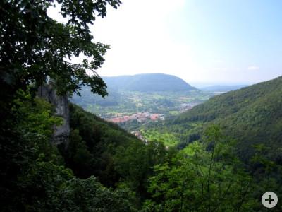 Blick vom Wielandstein auf Lenningen