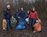 """Impressionen von der Bachputz-Aktion im Rahmen der Kampagne """"Mach mit! Für ein sauberes Kirchheim"""" am 13. März 2021."""