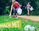 Ploggen verbindet Bewegung mit Umweltschutz: Statt einfach nur spazieren zu gehen, zu joggen, den Hund auszuführen oder zu wandern sammeln Ploggerinnen und Plogger Müll entlang ihrer Laufstrecke, entsorgen diesen ordnungsgemäß und tragen so zu einer saube