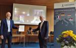 Die Ehrung fand im Beisein von digital zugeschalteten Gratulanten wie Karl Zimmermann (MdL a.D.), Andreas Schwarz (MdL, Grüne) und Bernd Winkler (Vorsitzender des Partnerschaftsausschusses) statt.
