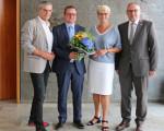 Personalratsvorsitzender Wolfgang Rau, der neu gewählte Beigeordnete Stefan Wörner, Oberbürgermeisterin Angelika Matt-Heidecker sowie der Erste Bürgermeister Günter Riemer nach der Wahl.