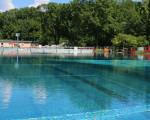Das große Becken im Freibad Kirchheim unter Teck