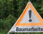 Schild Achtung Baumarbeiten
