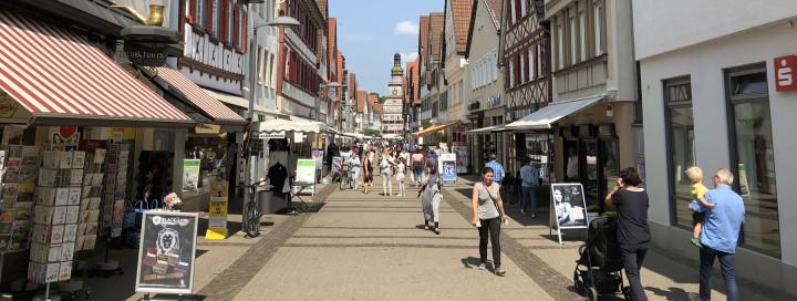 Blick vom Wachthaus Richtung Rathaus entlang der Marktstraße