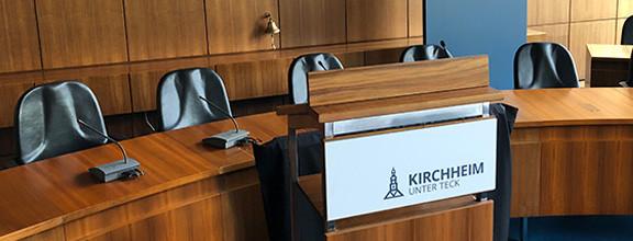 Großer Sitzungssaal des Rathauses in Kirchheim unter Teck - Rednerpult