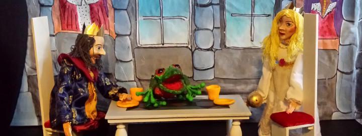 """Drei Figuren aus dem Marionettentheater """"Der Froschkönig"""""""