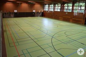 Der neue Boden in der Sporthalle am Ludwig-Uhland-Gymnasium