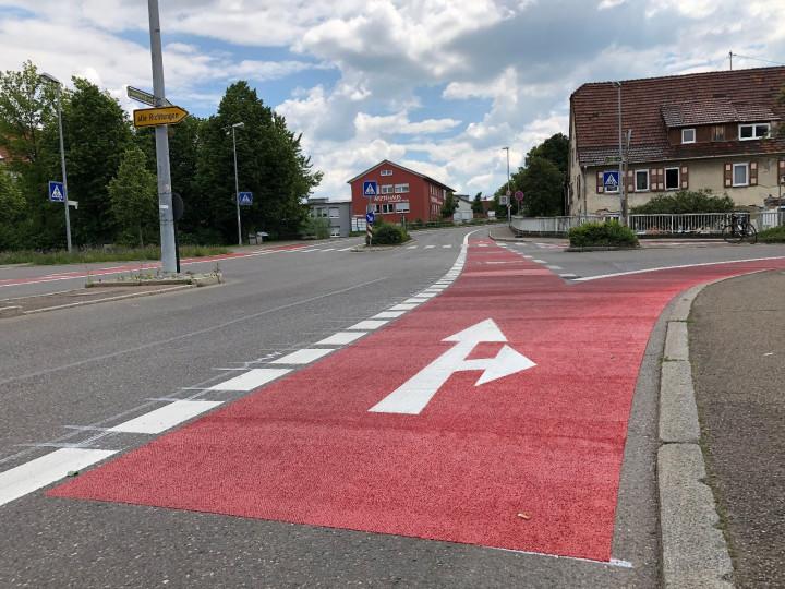 Der neu markierte Fahradstreifen auf der Hahnweidstraße.