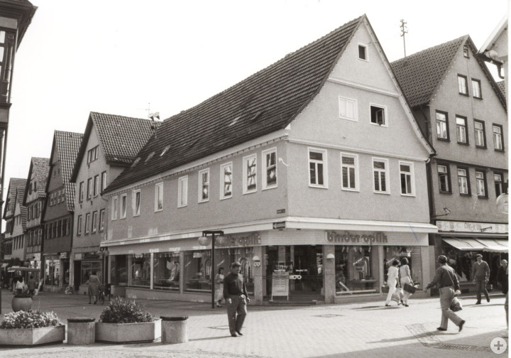 Marktstraße 17 (StadtA Ki F 11980)