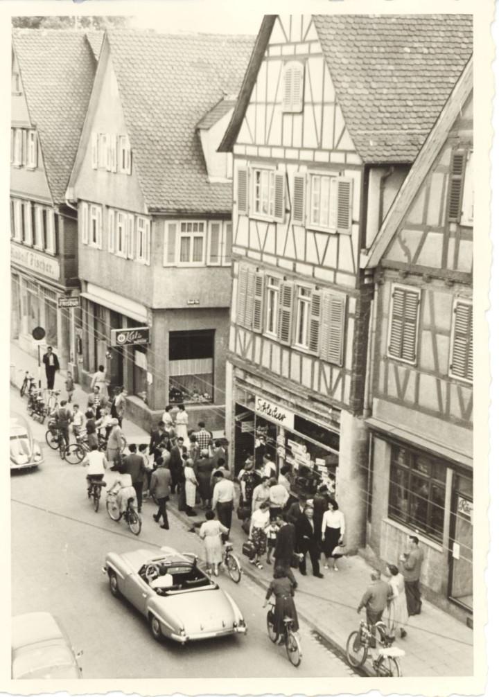 Marktstraße 28 (2.v.r.) (StadtA Ki F 16276)