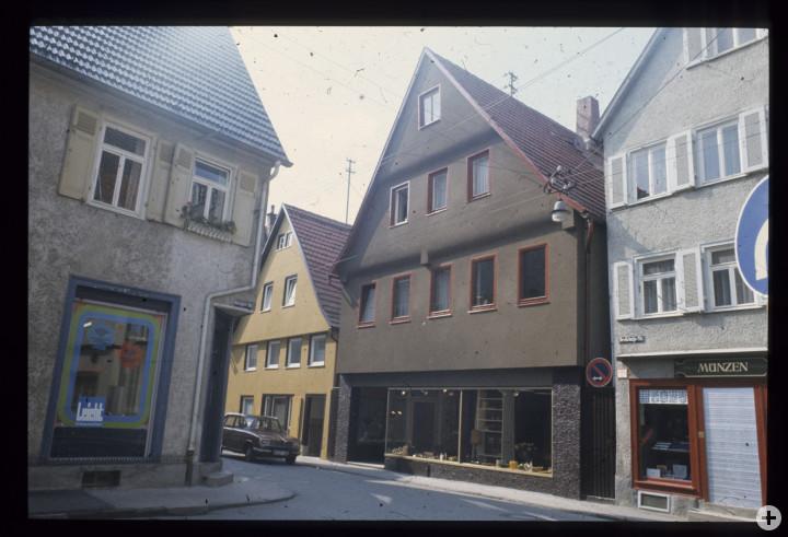 Dreikönigstraße 6 (links) (StadtA Ki F 18422)