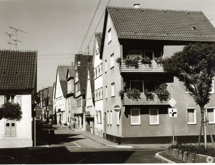 Dreikönigstraße 19 (rechts) (StadtA Ki F 9352)