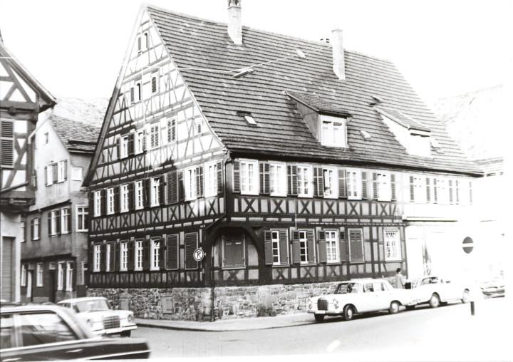 Marktplatz 4 (StadtA Ki F 09760)