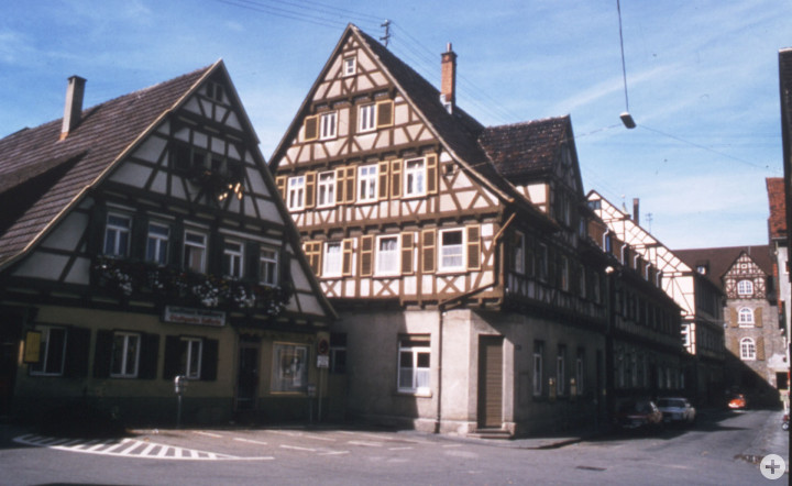 Marktplatz 6(r.) und 8 (StadtA Ki F 10472)