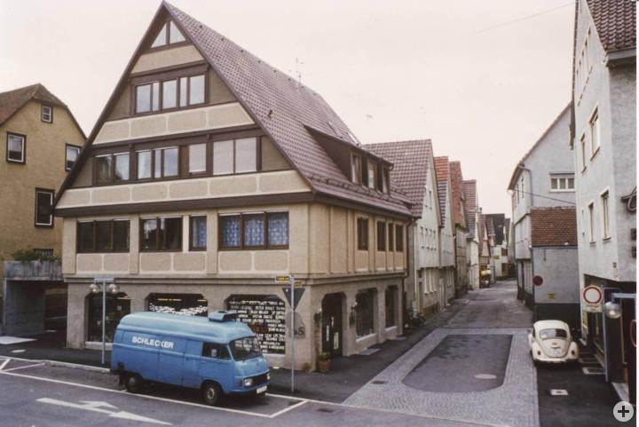 Wellingstraße 45 (2tes Haus v. l.) (StadtA Ki F 10077)