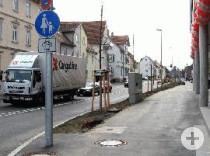 """Fußweg mit Zusatzzeichen 'Radfahrer frei"""" in der Kolbstraße"""