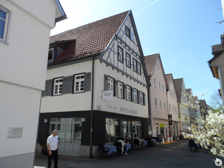 Wellingstraße 12