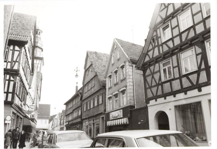 Max-Eyth-Straße 21 (2tes Haus v. r.) (StadtA Ki F 9099)