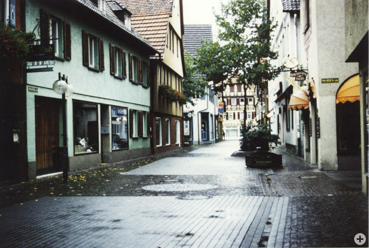 Dreikönigstraße 10 (links) (StadtA Ki F 14650)
