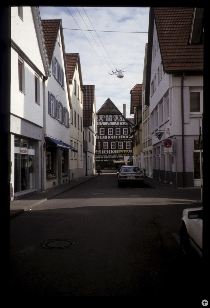 Paulinenstraße 6 (links) (StadtA Ki F 18516)