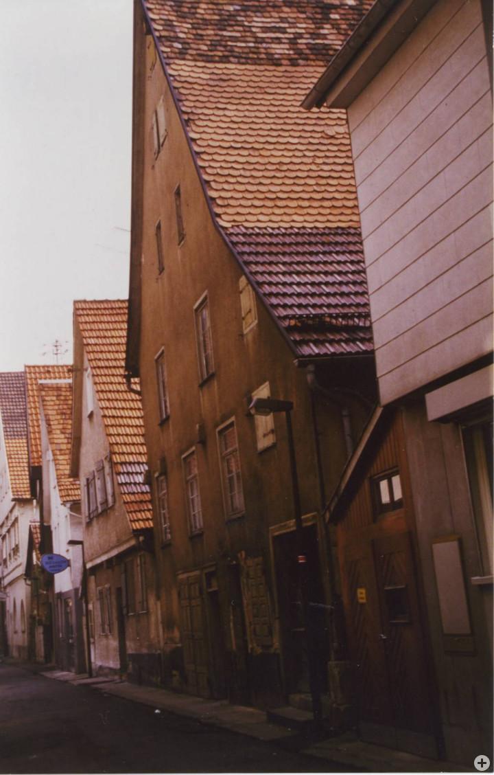 Sophienstraße 2, 4, 6 v. r. (StadtA Ki F 10659)