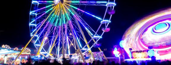 Riesenrad auf dem Gallusmarkt bei Nacht