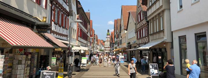 Die Kirchheimer Innenstadt mit Blick Richtung Rathaus