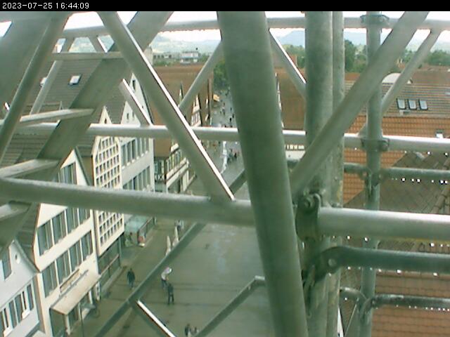 Unsere auf dem Rathausturm montierte Webcam zeigt einen Teil der Marktstraße. Das Bild wird minütlich aktualisiert.